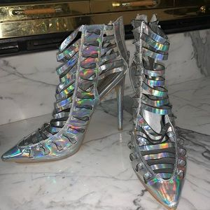 Holographic caged heels